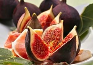 8017166-fresh-figs